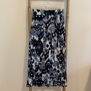 Blue pattern maxi skirt